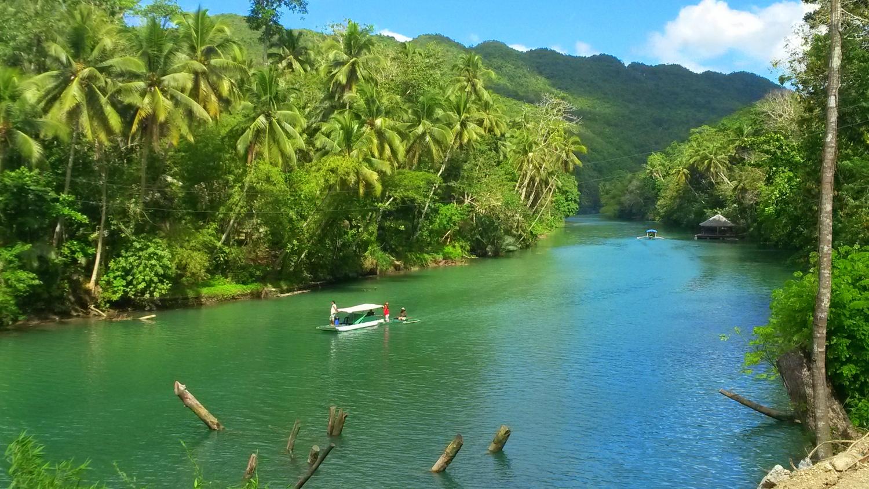 Loboci jõgi Boholi saarel - paik, kus elavad helendavad mardikad.