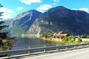 Norra fjordid: autoreis koskede- ja tunnelitemaale